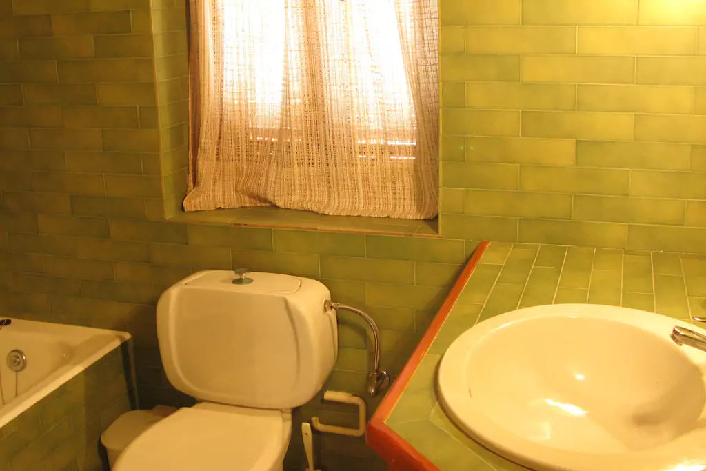 bathroom_twinbedroom